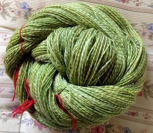 Spunnet på bossie, liten spindlewood, victoria. Merino, silke.
